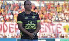 Técnico do Brusque diz não sentir a pressão para a final contra o Manaus