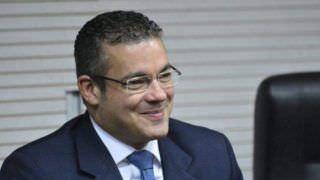 Aposentando o 'Neto', Josué muda slogan e avança pré-candidatura