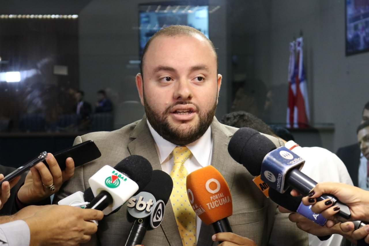 MP investiga se gabinete de Fausto Júnior tem funcionária fantasma