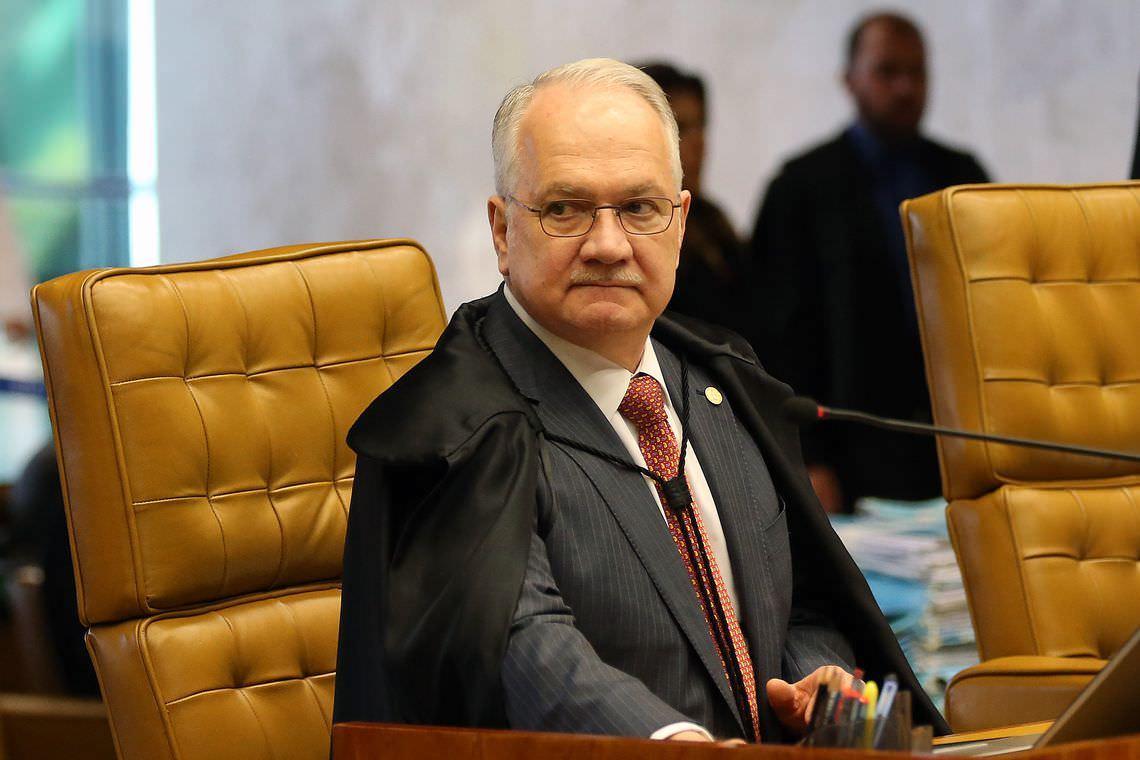 Fachin vota contra tese que pode anular condenações da Lava Jato