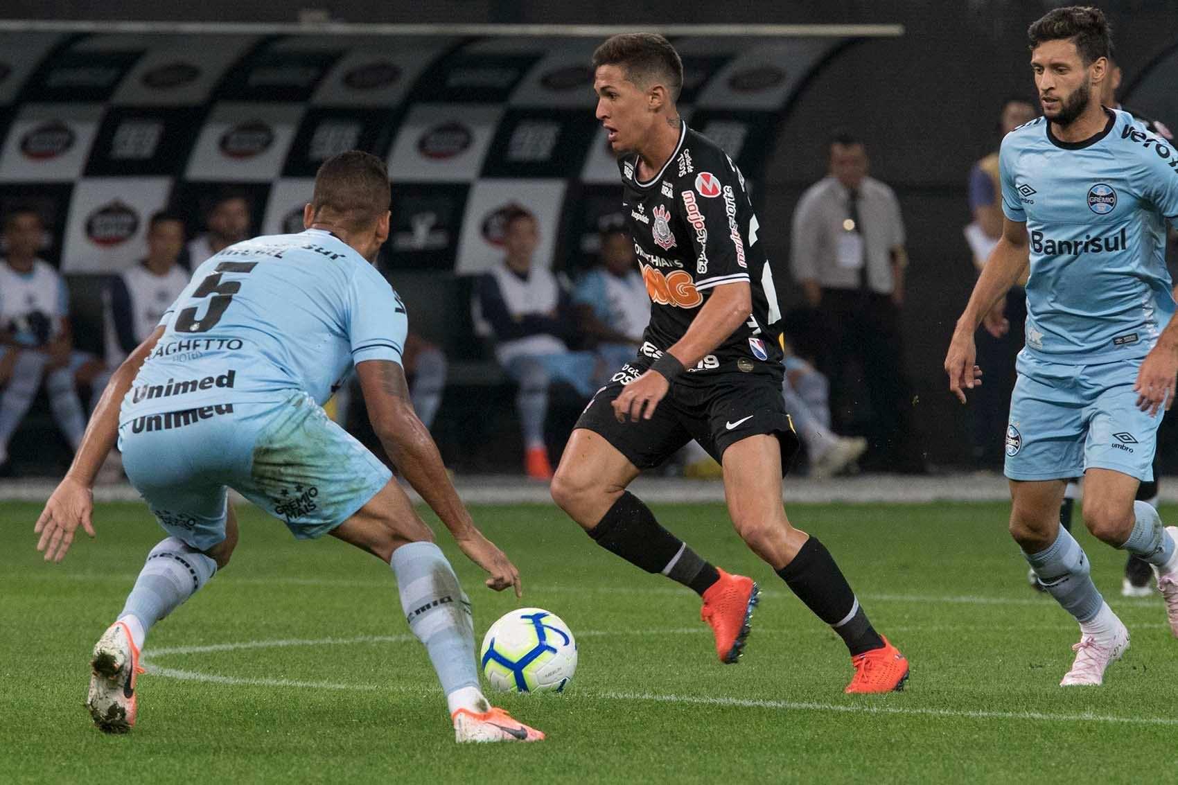 Corinthians mantém empate sem gols com Grêmio