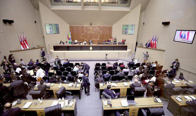 Assembleia Legislativa do AM vai pagar R$ 112,2 mil para controle de pragas
