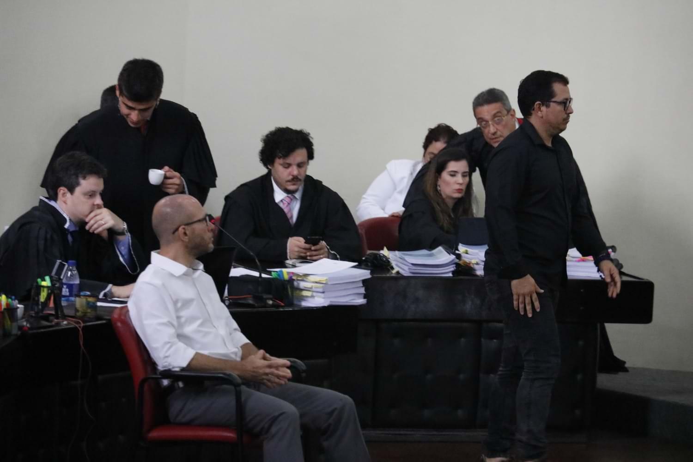 Juiz adverte amigos e parentes do advogado Wilson Justo