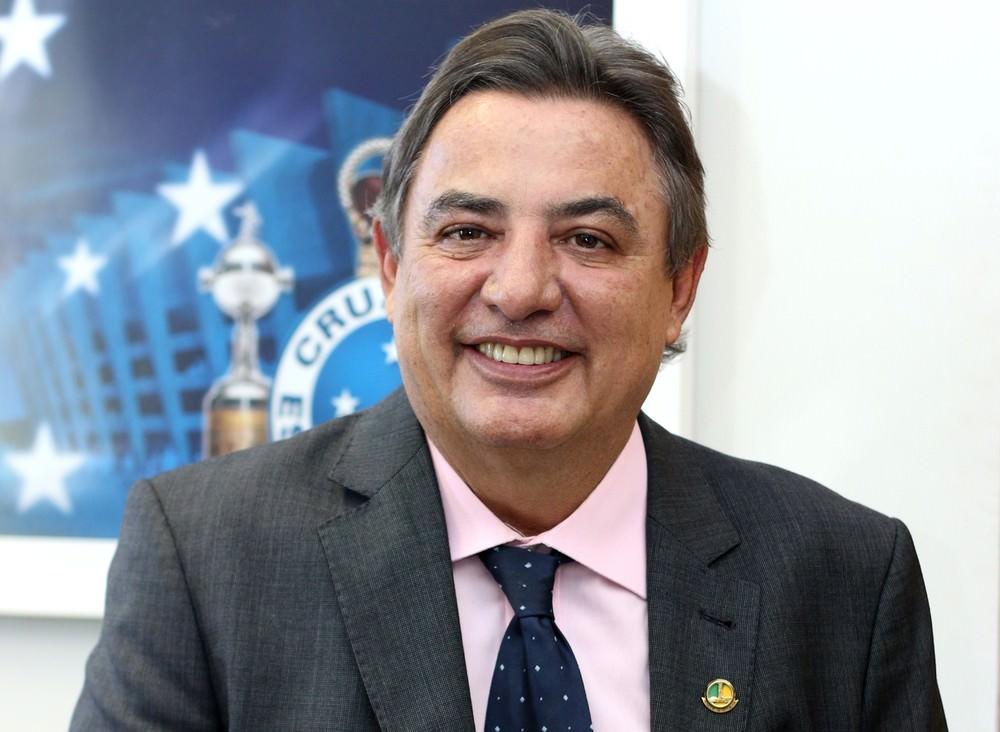 Presidente do Vasco critica Zezé: 'Ele é um dos que calados são poetas'