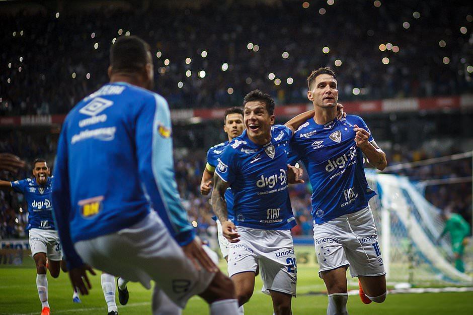 Com dívida de R$ 700 mi, Cruzeiro terá cota de TV três vezes menor
