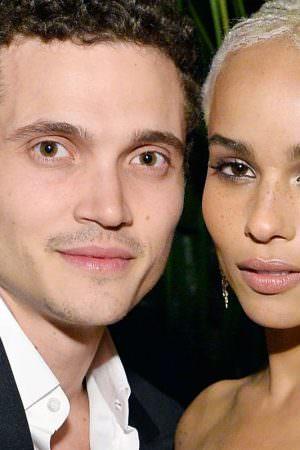 Zoë Kravitz pede divórcio do ator Karl Glusman após um ano e meio de casamento