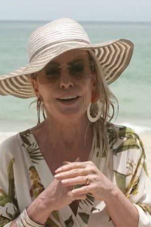 Internautas criticam Ana Maria Braga por gravar na praia sem máscara