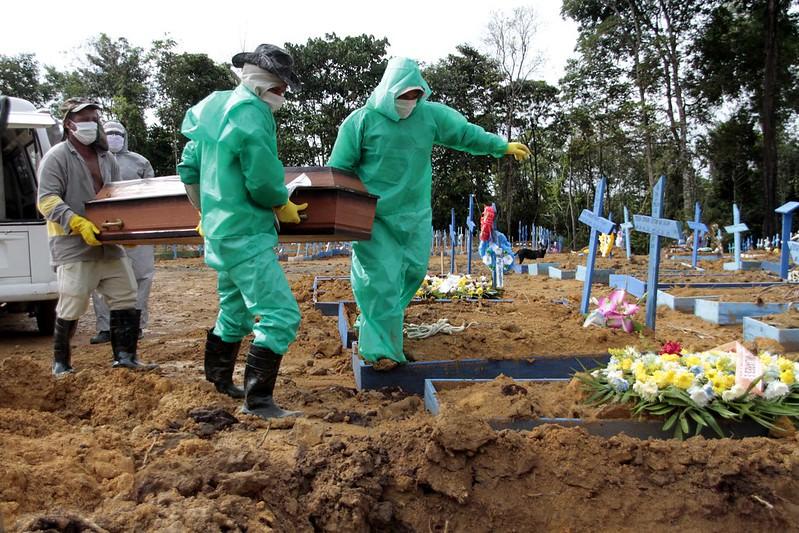 Brasil tem maior número de mortes por Covid desde 4 de agosto