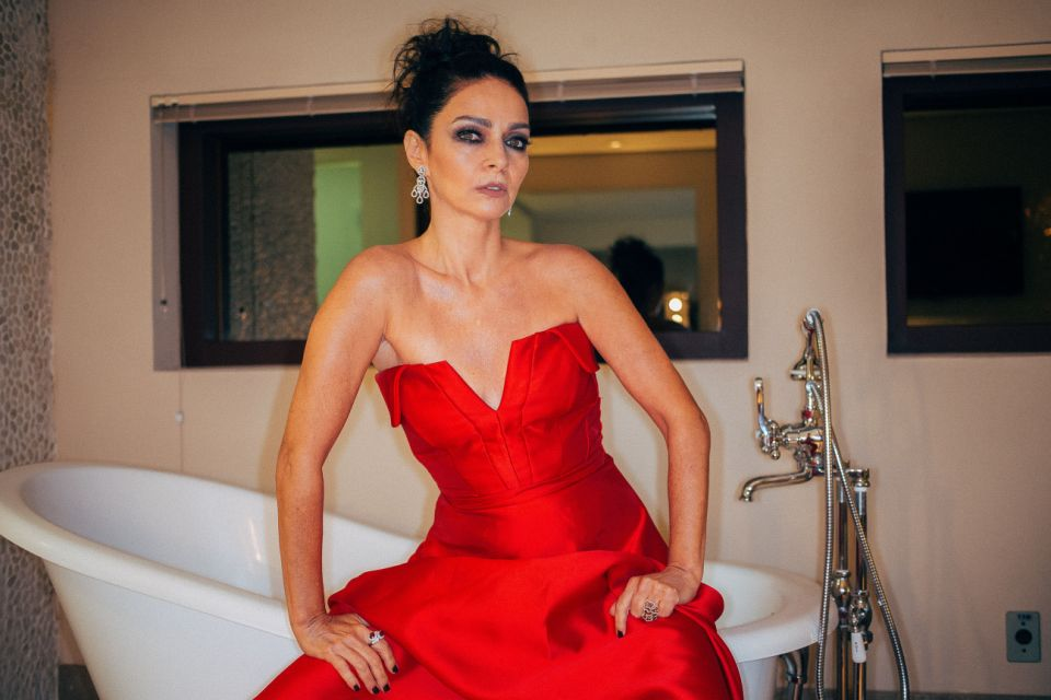 Claudia Ohana lembra bastidores da novela 'Vamp', que estreia no Globoplay