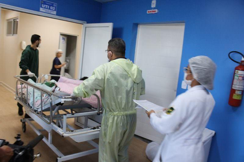 Governo do AM poderá requisitar leitos e UTI de hospitais privados, decide Justiça