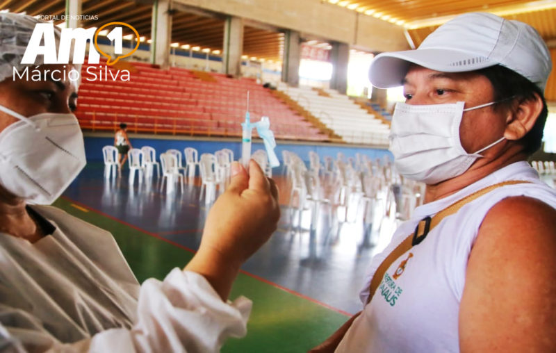 FVS registra a aplicação de 900 mil doses da vacina contra a covid-19 no AM