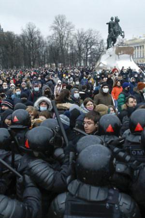 Rússia expulsa diplomatas da Alemanha, Polônia e Suécia que teriam participado de protestos