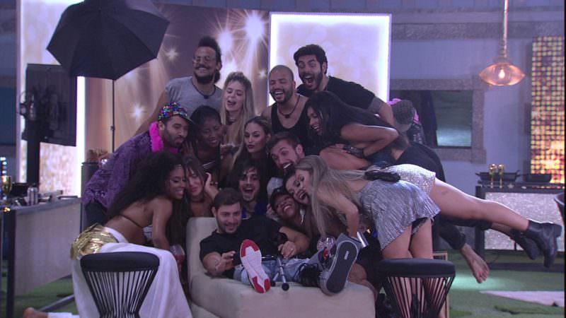 BBB21: Globo faz teste de covid-19 em todos os participantes do reality