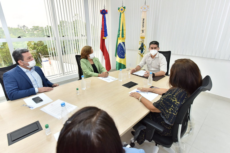 David Almeida assina 'Pacto pela Infância' com MP para garantir políticas públicas
