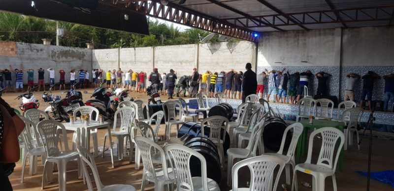 Festa clandestina com mais de 150 pessoas é encerrada em Coari