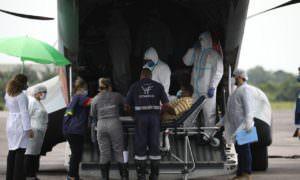 Mais cinco pacientes são transferidos de Coari tratamento na capital