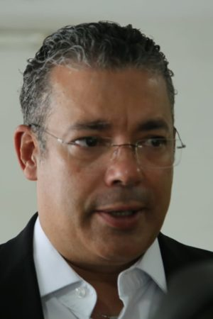 Wilson Lima nomeia Josué Neto conselheiro vitalício do TCE