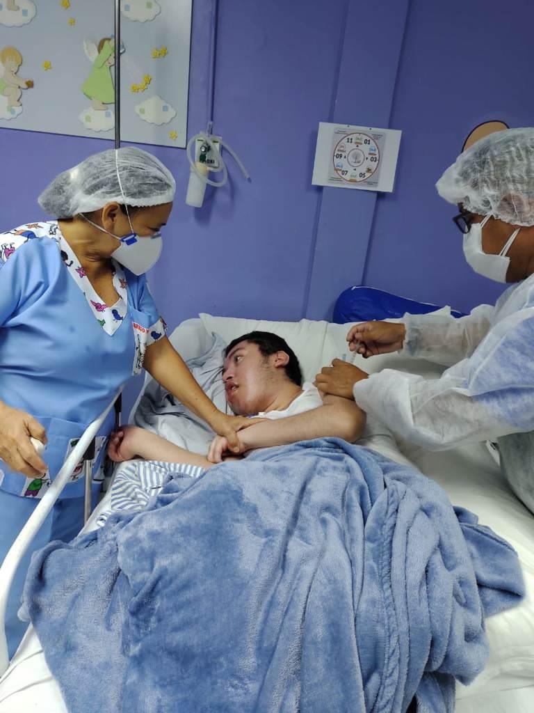 Abrigo Moacyr Alves recebe segunda etapa de vacinação contra Covid-19