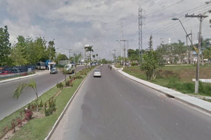 Avenida Oitis tem tráfego afetado por obras no viaduto da Cosme Ferreira