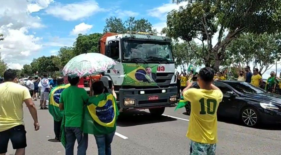 Apoiadores de Bolsonaro vão às ruas neste sábado em Manaus