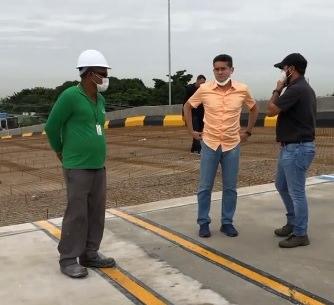 David Almeida inspeciona viaduto do Manoa para correção de falhas na obra
