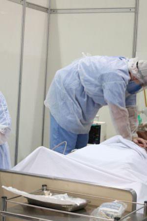 Cresce número de casos de covid-19 em menores de 59 anos