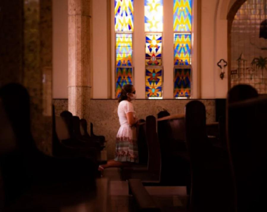 Projeto transforma em lei norma que define as atividades religiosas como essenciais