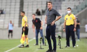 Após apuros, Mancini se declara: 'Sou grato por poder viver o Corinthians'