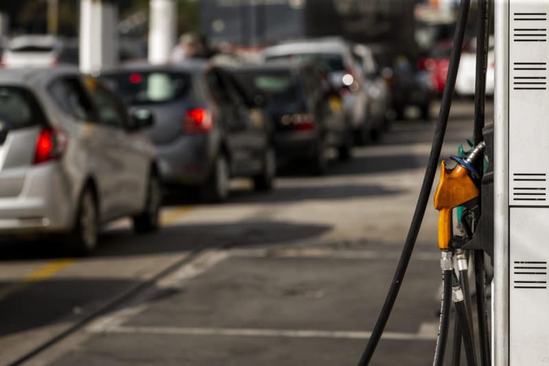 Diesel e gasolina sofrem reajustes no preço