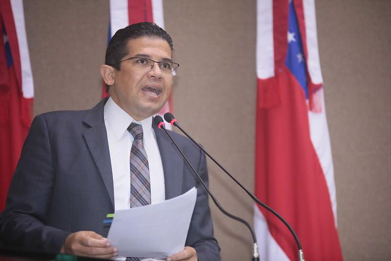 Deputado quer prioridade para líderes religiosos na vacinação contra covid-19 no AM