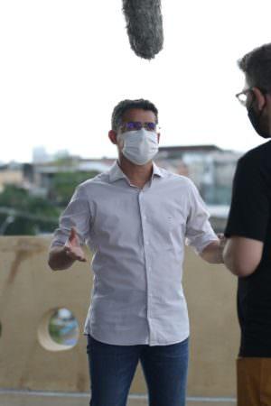 David Almeida afirma que Manaus é a primeira cidade do Brasil a vacinar pessoas com 18 anos