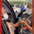 Vanessa Grazziotin toma primeira dose da vacina contra covid-19; veja vídeo
