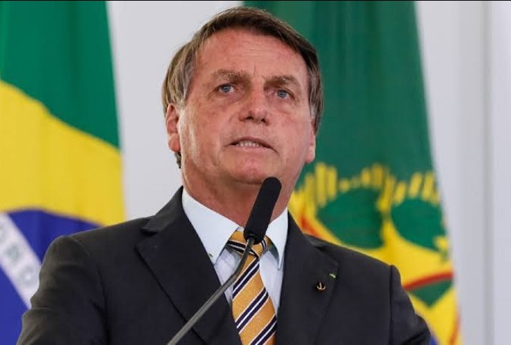 Bolsonaro 'dá as cartas' na PF, mas perde seis ministros