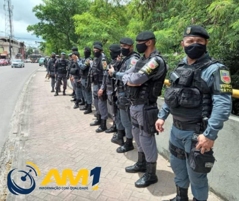 Em tiroteio com a polícia, três criminosos morrem e um fica paralítico em Manaus