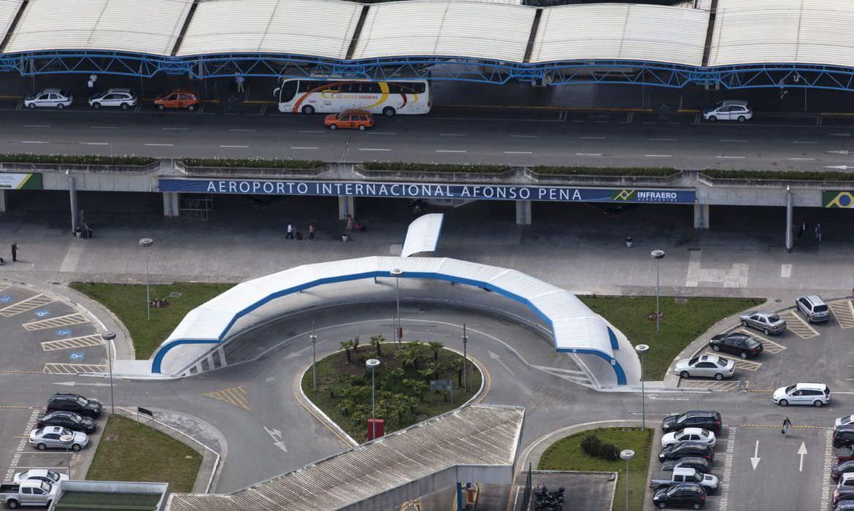 Mais de 20 aeroportos podem ser leiloados hoje