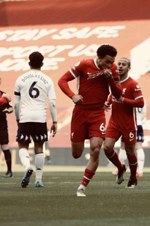 Com golaço, Liverpool supera Aston Villa no Inglês