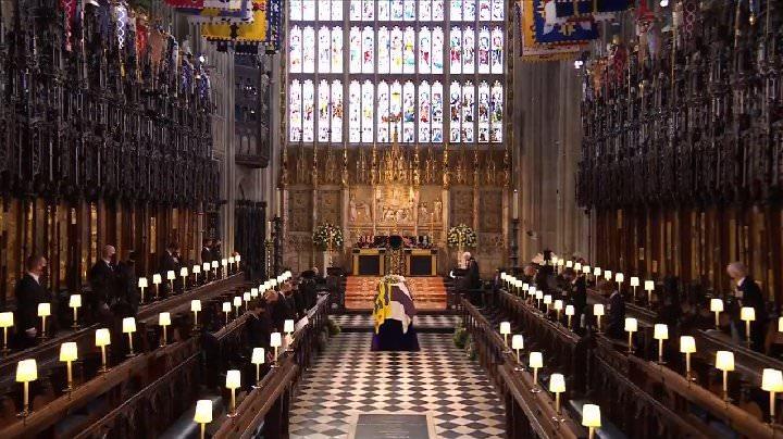 Funeral de príncipe Philip é marcado por silêncio no castelo de Windsor