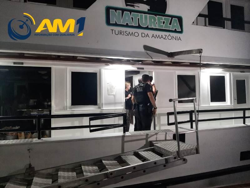 Polícia Federal é acionada para investigar festa em barco de luxo em Manaus