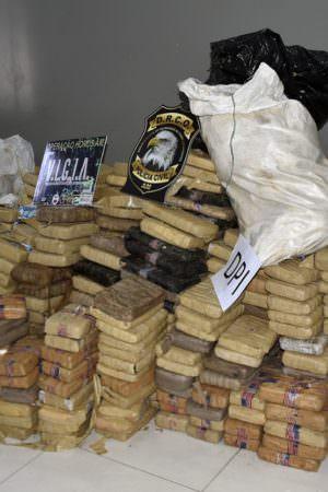 Policiais são presos com droga avaliada em mais de R$ 6 milhões no Amazonas