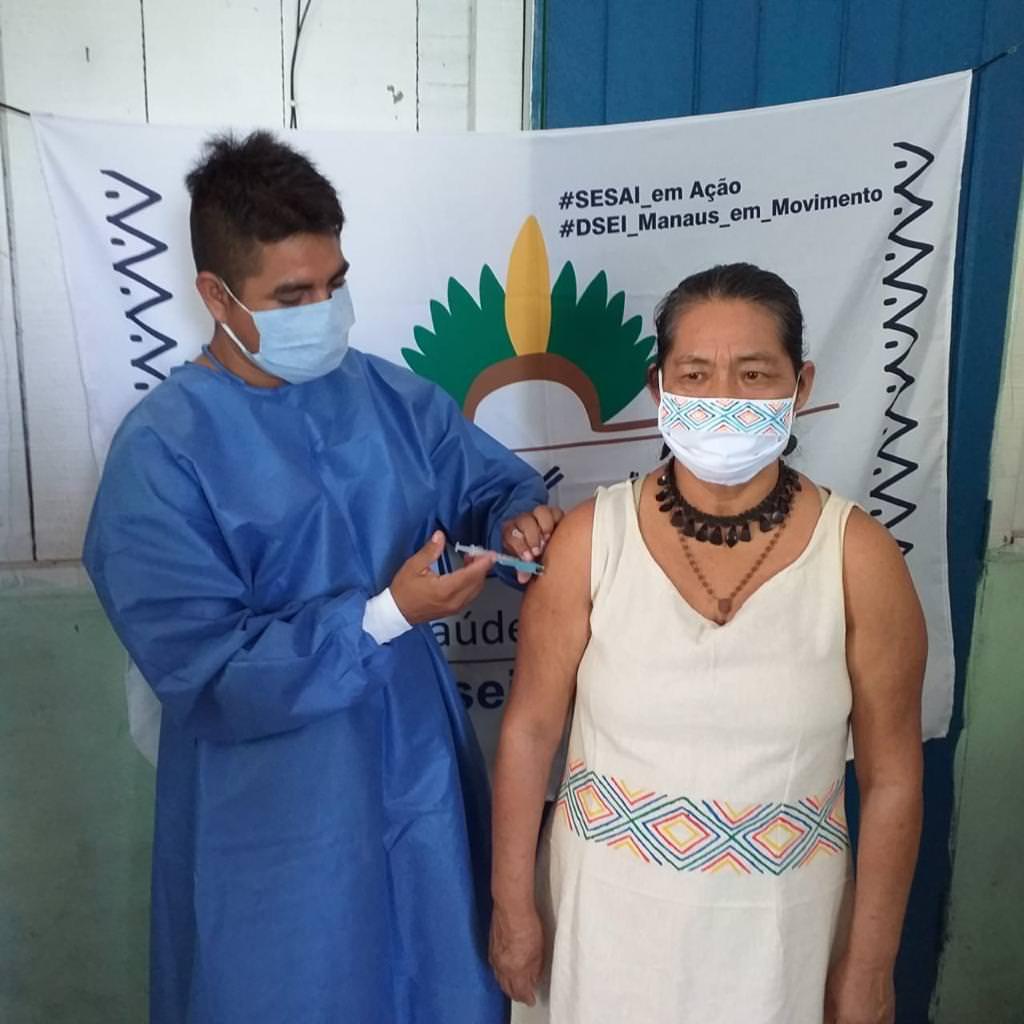 Conheça indígenas que atuam na linha de frente da pandemia no AM