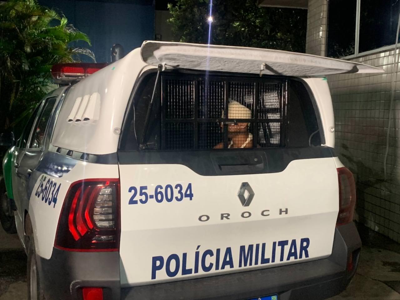 Ex-militar reage a assalto no Petrópolis, dá surra em bandidos e caso vai parar na delegacia