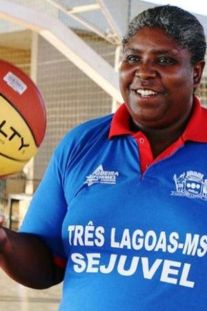 Ex-jogadora da Seleção Brasileira de basquete 'Rutão' morre de covid-19