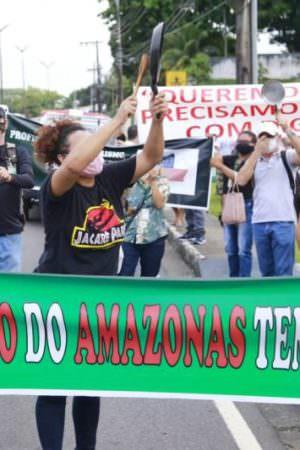 Manifestação: classe turística pede a volta das atividades do setor no AM