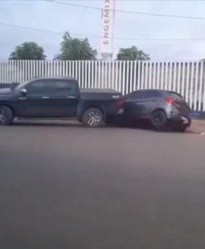 Em Porto Velho, homem bate várias vezes no carro da esposa após traição