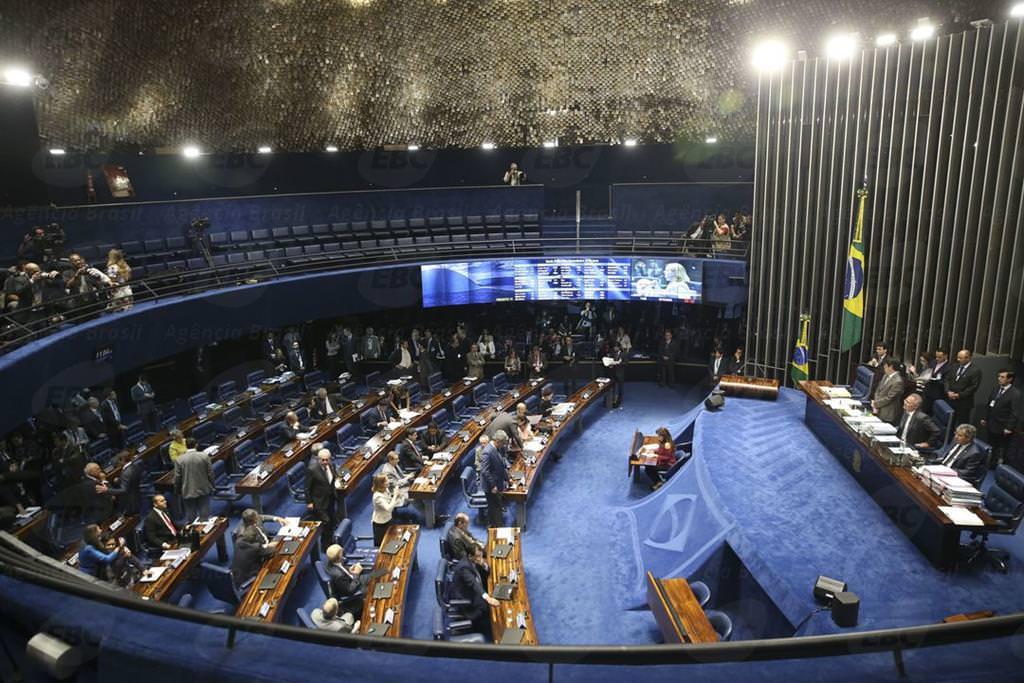 Covid-19: Senado aprova criação de programa contra a depressão