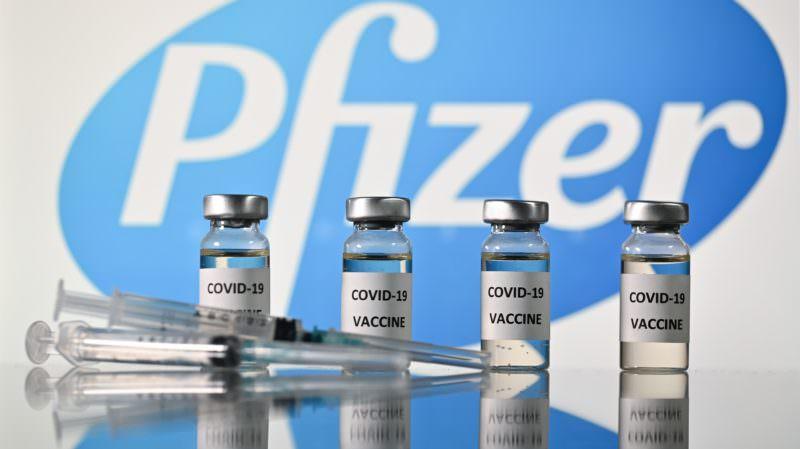 Intervalo entre doses da vacina da Pfizer será de três meses, diz Saúde