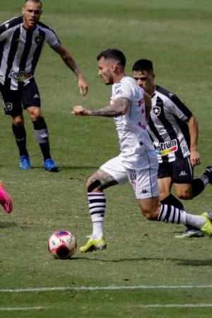 Vasco vence Botafogo no primeiro jogo da final Taça Rio