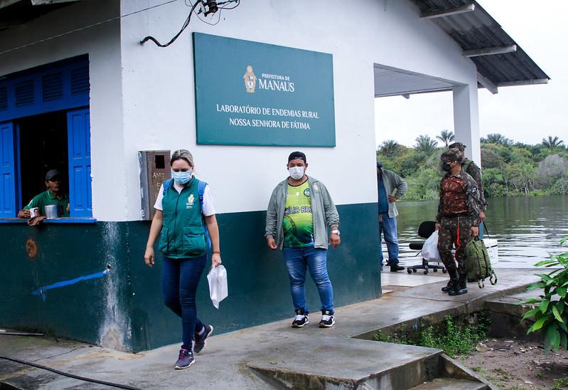 Moradores de comunidade ribeirinhas recebem segunda dose da vacina contra covid-19