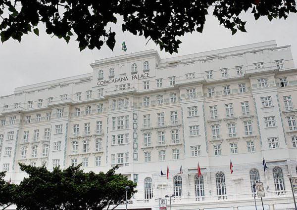 Copacabana Palace é multado em mais de R$ 15 mil por 'festa clandestina'