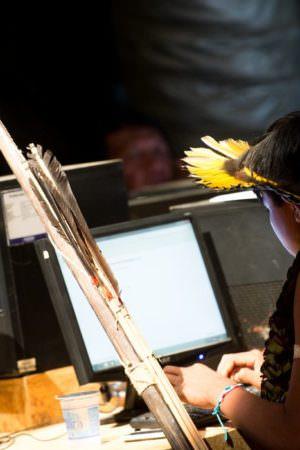 Por rios da Amazônia, infovia subfluvial vai levar internet ao Norte do país
